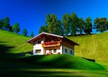 Guesthouse στην ήρεμες θέση, τα βουνά και τη φύση, Αυστρία Στοκ φωτογραφία με δικαίωμα ελεύθερης χρήσης