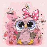 Gufo sveglio con i fiori e le farfalle royalty illustrazione gratis