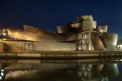 Guggenheim τη νύχτα στοκ φωτογραφία