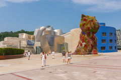Guggenheim Museum and Puppy sculpture Royalty Free Stock Photography