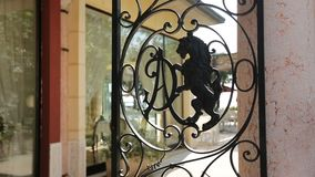 Guichet de vintage en Italie banque de vidéos