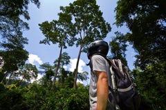Guid im Dschungel, in Thailand Stockbild