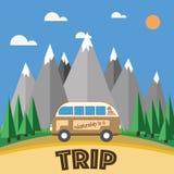 Guida dell'automobile di viaggio sulle montagne Fotografia Stock