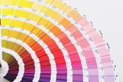 Guida di colore sulla parte posteriore di bianco Fotografia Stock Libera da Diritti