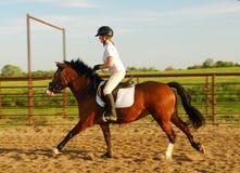 Guida di Horseback Fotografie Stock Libere da Diritti