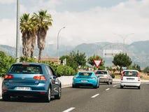 Guida di veicoli di Porsche della strada principale velocemente fotografia stock libera da diritti