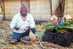 Guida indigena su Uros Islands Fotografia Stock Libera da Diritti