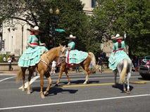 Guida messicana delle donne del cavallo Immagini Stock Libere da Diritti