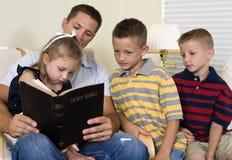 Guidage des enfants Images libres de droits