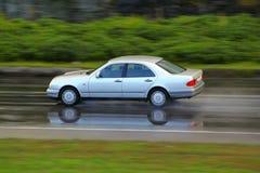 Guidando alla pioggia Fotografia Stock Libera da Diritti