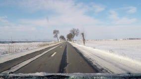 Guidando in inverno stock footage