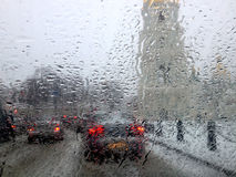 Guidando in pioggia Immagini Stock Libere da Diritti