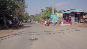 Guidando su un veicolo in India archivi video