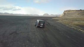 Guidando sul metraggio nero del fuco della sabbia archivi video