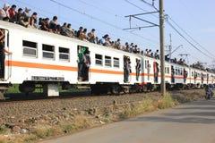 Guidando sul tetto del treno immagini stock libere da diritti