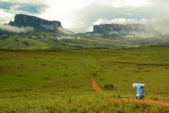 Guide in front of Mount Roraima Royalty Free Stock Photos