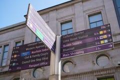 Guidepost på Stanley Street i Liverpool Arkivfoton