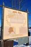 Guidepost przy okręgu miastem, Alaska Fotografia Royalty Free