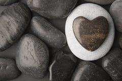 Guijarro en forma de corazón Foto de archivo libre de regalías