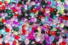 Guijarros decorativos de diversos colores como textura Foto de archivo libre de regalías