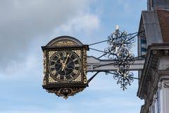 Guildford głowna ulica, zegar Obrazy Royalty Free