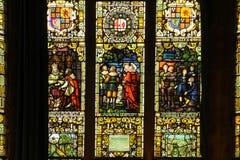 guildhall nedfläckada fönster för exponeringsglas Derry Londonderry Nordligt - Irland förenat kungarike arkivfoton