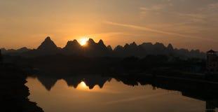 Guilin landskapsolnedgång arkivbilder