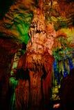Guilin van China, de rietfluit - stalactieten Stock Afbeeldingen