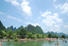 Guilin, Yangshuo, Guangxi landskap-, Kina berg och vatten Arkivfoton