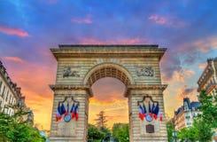 Guillaume Gate bei Sonnenuntergang in Dijon, Frankreich stockbilder