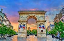 Guillaume Gate bei Sonnenuntergang in Dijon, Frankreich lizenzfreie stockfotografie