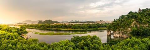 Guiln, viaje natural Si del paisaje de la formación de la cueva del elefante de China fotos de archivo libres de regalías