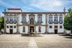 Guimaraes Δημαρχείο, μονή καλογραιών της Σάντα Κλάρα στοκ φωτογραφία με δικαίωμα ελεύθερης χρήσης