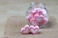 Guimauve dans la forme de coeur pour l'amour Photo libre de droits