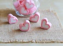 Guimauve dans la forme de coeur pour l'amour Photographie stock libre de droits