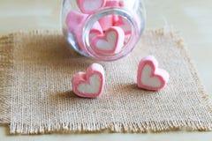 Guimauve dans la forme de coeur pour l'amour Photo stock