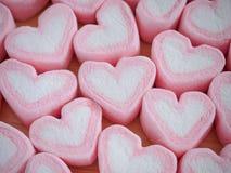 Guimauve rose de forme de coeur pour le fond de valentines Photographie stock libre de droits