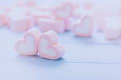 Guimauve rose de forme de coeur pour le thème d'amour et le concep de Valentine Image libre de droits
