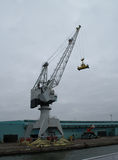 Guindaste bordejando nivelado gigante Foto de Stock Royalty Free