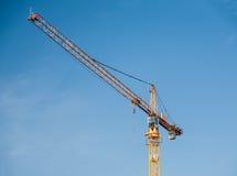 Guindaste de torre amarelo da construção Fotografia de Stock Royalty Free