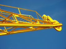Guindaste portuário amarelo imagem de stock