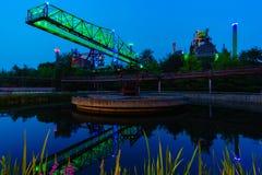 Guindaste velho de Duisburg Landschaftspark Nord fotografia de stock royalty free