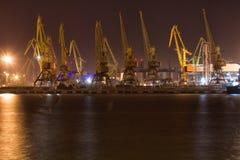 Guindastes da carga e terminal do porto Odessa foto de stock royalty free