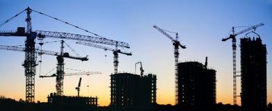 Guindastes de construção imagens de stock royalty free