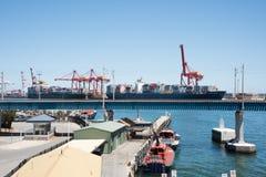 Guindastes industriais no porto de Fremantle Imagem de Stock