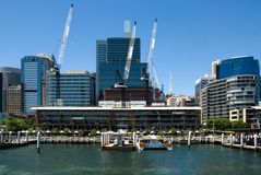 Guindastes, perto do porto querido, Sydney Fotografia de Stock