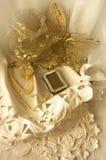 guindineau d'or sur le lacet Image stock