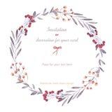 Guirlande (cadre de cercle) des baies, branches et fleurs, tirées par la main dans une aquarelle sur un fond blanc Photographie stock