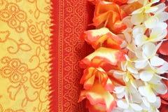Guirlande de Lei de Polynésien de fond de fleurs images stock