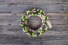 Guirlande de Noël avec les pommes vertes Images libres de droits